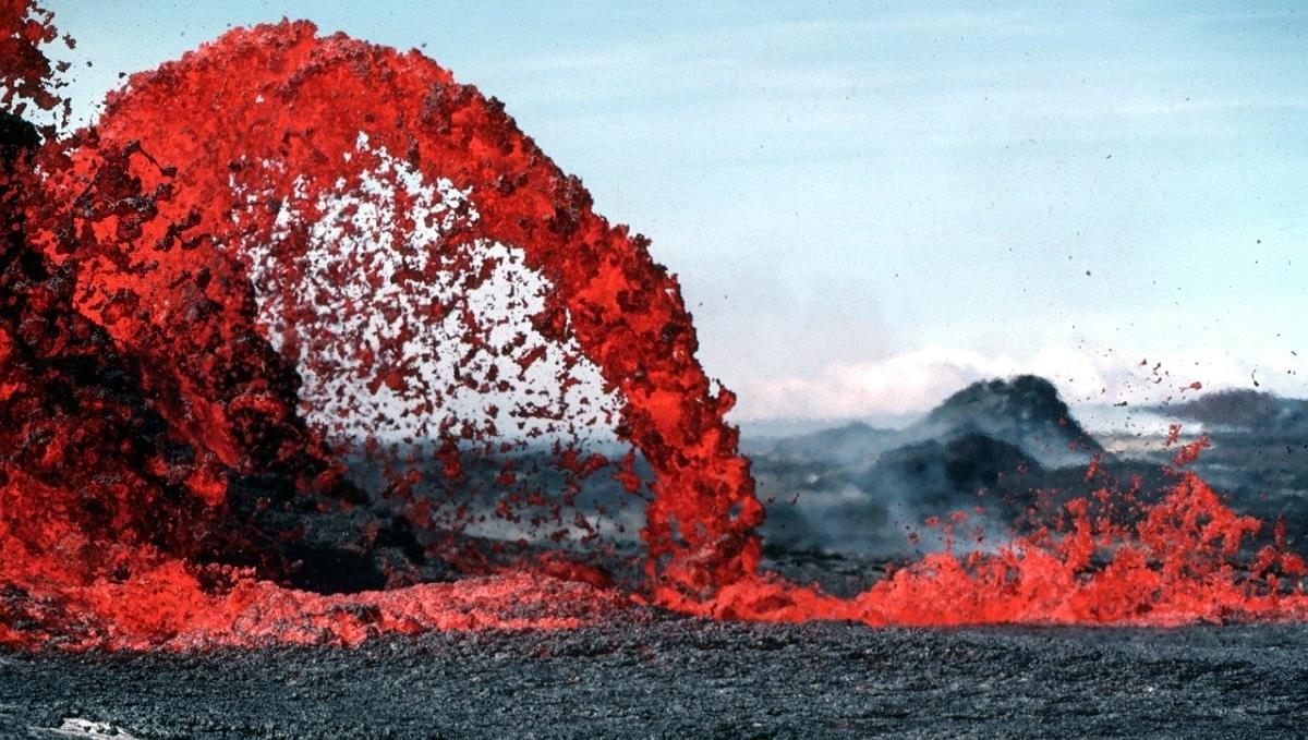 Una de las teorías de la extinción de los dinosaurios podría deberse a erupciones volcánicas