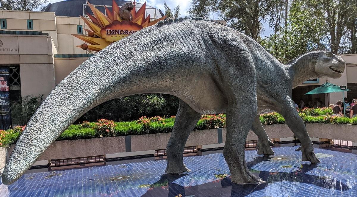 El iguanodon pesaba entre 4 y 5 toneladas