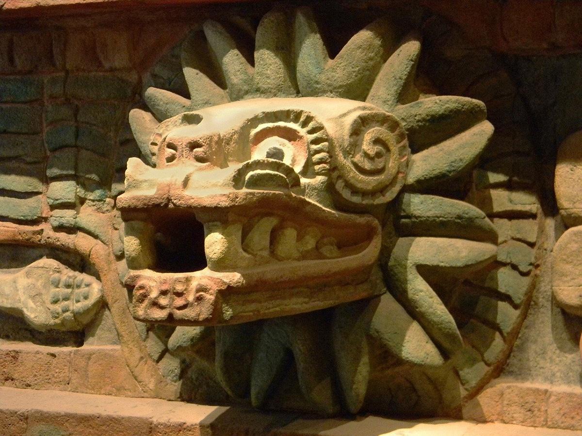El nombre de Quetzalcoatlus está inspirado en el dios azteca Quetzalcóatl